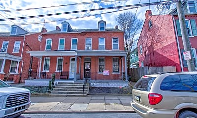 Building, 558 W Orange St, 2