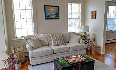 Living Room, 19 N Newport Ave, 1