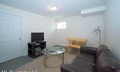 Living Room, 1533 W Norris St, 1