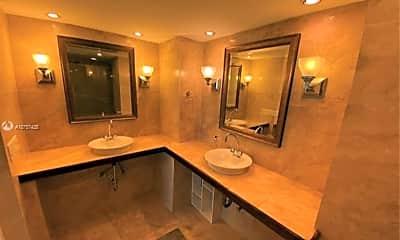 Bathroom, 801 N Venetian Dr, 2
