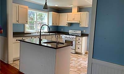 Kitchen, 718 Wolfe St, 2