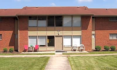Building, 303 Forest Hill Dr 3-03, 0