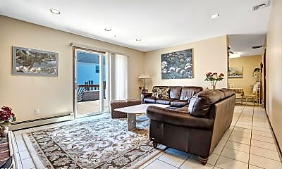 Living Room, 1637 Holbrook St, 1