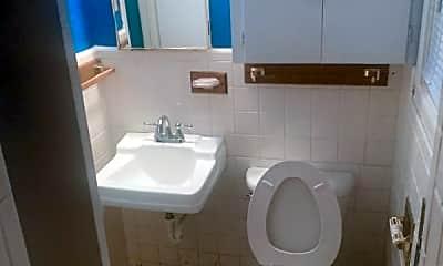 Bathroom, 3300 Delano Ave, 2