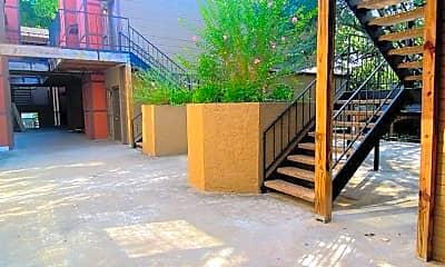 Patio / Deck, 706 W 24th St, 2