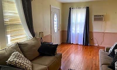 Bedroom, 98 N Pond St, 1