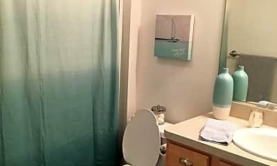 Bathroom, 158 Tulip Blvd, 2