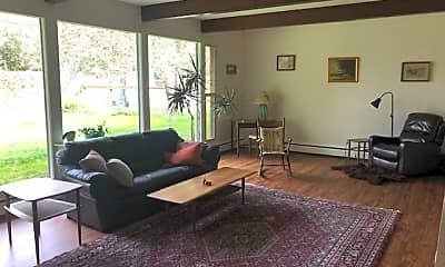 Living Room, 414 King St, 1