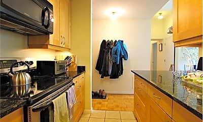 Kitchen, 350 W Fourth St, 1