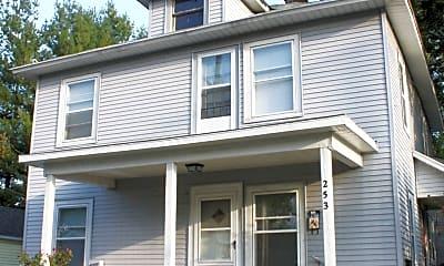 Building, 253 Knapp St NE, 0