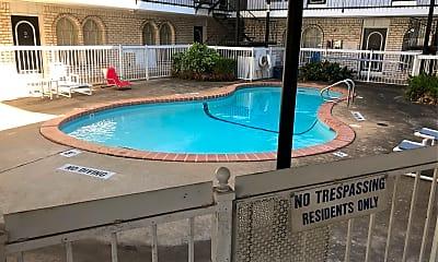 VIP Apartments, 2