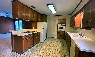 Kitchen, 2887 Cedarcrest Ave, 1