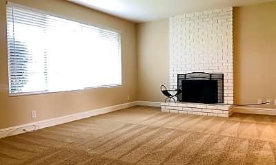 Living Room, 901 Castlewood Dr, 1
