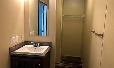 Bathroom, 12 Mockingbird Ln 12, 2