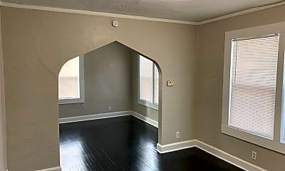 Living Room, 2629 Oakley Ave, 0