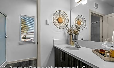 Bathroom, 630 NW Kingwood Ave, 1