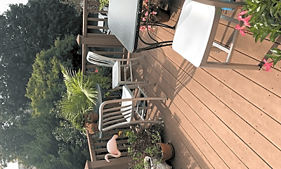 Patio / Deck, 65 Woodland Ave, 2