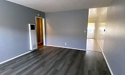 Living Room, 651 Winslow Ave, 1