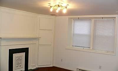 Bedroom, 1560 E Broad St, 2