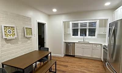 Living Room, 92 Newton St, 1