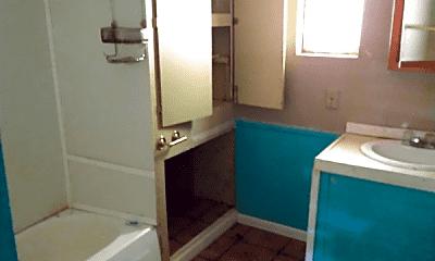 Bathroom, 3210 E MacArthur Rd, 2