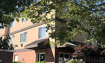 Auburn Court Apartments I, 0