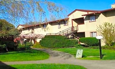W Creek Apartments, 2