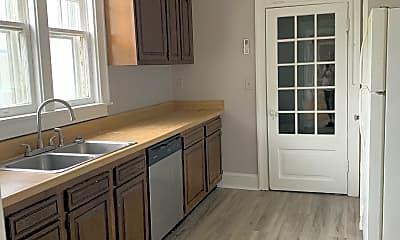 Kitchen, 1556 Virginia St E, 2