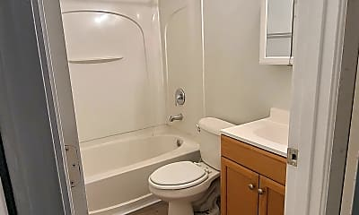 Bathroom, 3423 Shanks Ln, 2