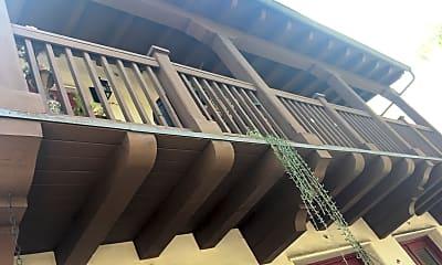 El Carrillo Apartments, 2