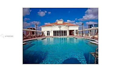Pool, 511 SE 5th Ave 2003, 2