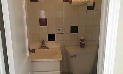 Bathroom, 5302 W Argyle St, 2