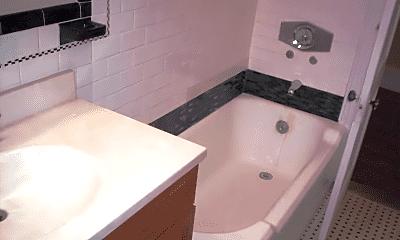 Bathroom, 196 Centre St, 2