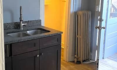 Kitchen, 1622 W 82nd St, 1
