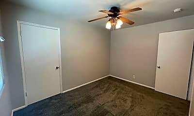 Bedroom, 2104 N Sutter St, 2
