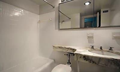 Bathroom, 1401 N St NW, 0