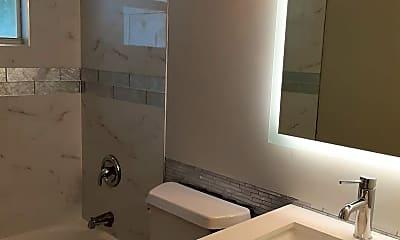 Bathroom, 615 S Shade Ave, 2