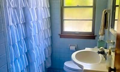 Bathroom, 98 S 3rd Ave, 2