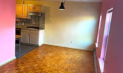Kitchen, 241 Montgomery St 3, 1