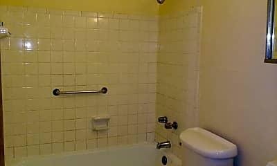 Bathroom, 829 N Court St, 2