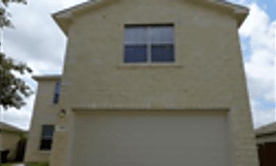Building, 636 Goldenrod, 1