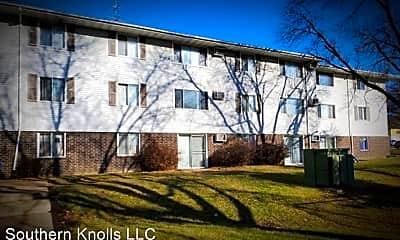 Building, 1300 Watrous Ave, 1
