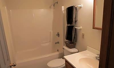 Bathroom, 604 1/2 W Elm St, 2