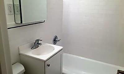 Bathroom, 149 E 84th St, 2