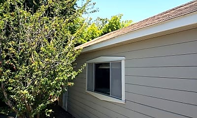 Building, 334 Aviador Ave, 1