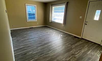 Living Room, 814 E Emerson St, 1