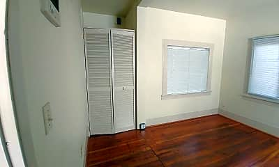 Living Room, 1237 Ferry St, 2