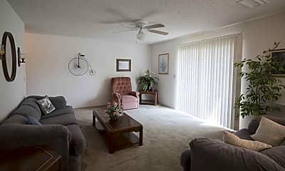 Living Room, Magnolia Lake Apartment, 1