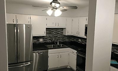 Kitchen, 603 S River Rd, 1