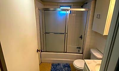 Bathroom, 1438 Pleasant St, 2